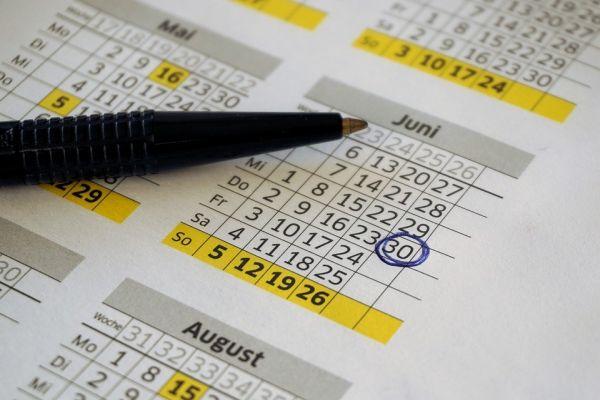 カレンダーでスケジュール管理