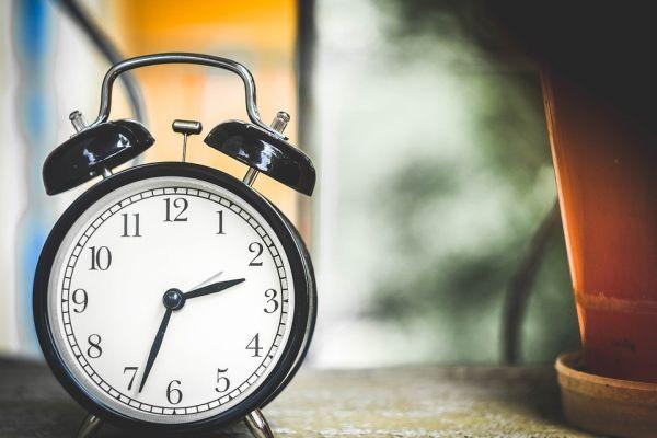 時計と植木鉢