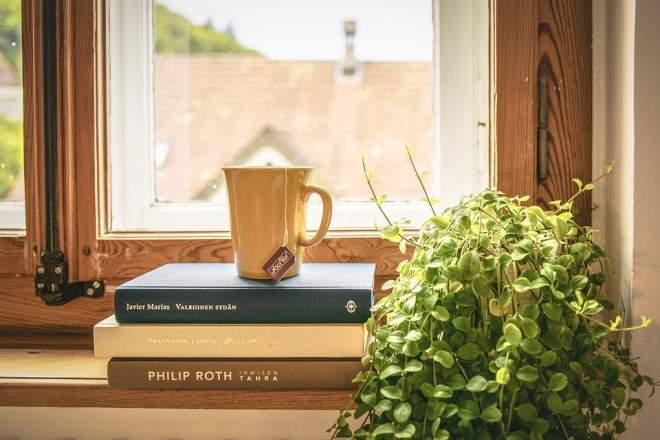 参考書とコーヒー